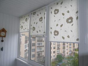 Установка рулонных штор на пластиковые окна в Петрозаводске